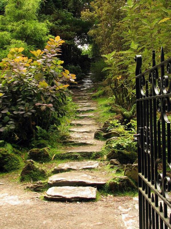 schöne Treppen aus Stein
