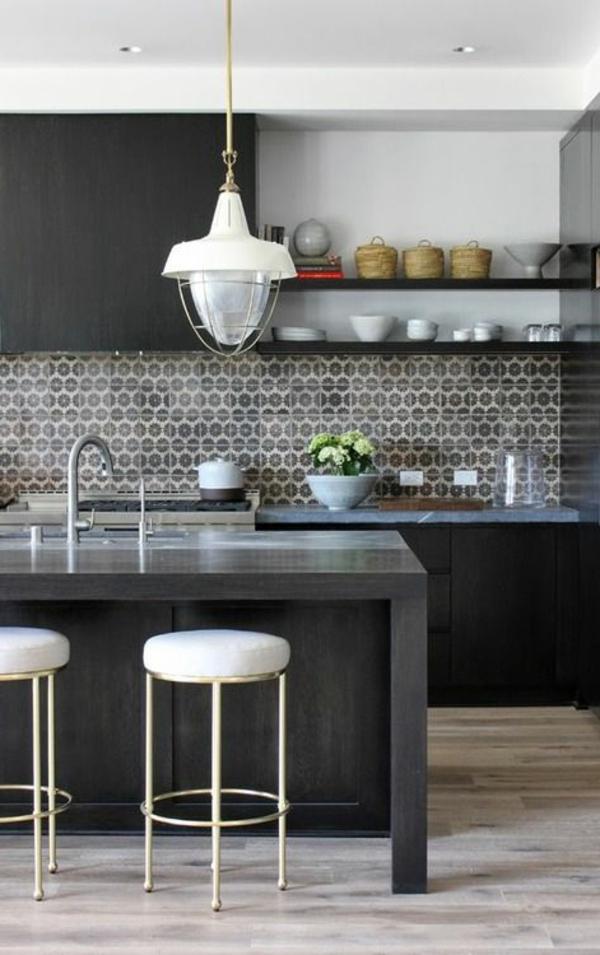 originelle-Küche-mit-Bar-Hausbar-Design-Idee