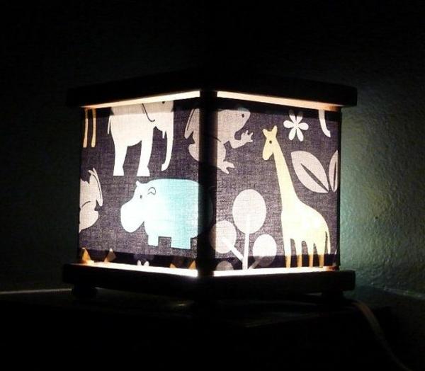 originelle-Lampe-für-das-Kinderzimmer-mit-Tieren