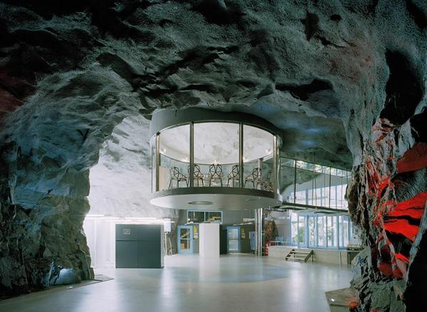 originelle-büroräume-einfach-genial - steinstruktur