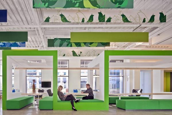 originelle-büroräume-weiß-und-grün-kombinieren