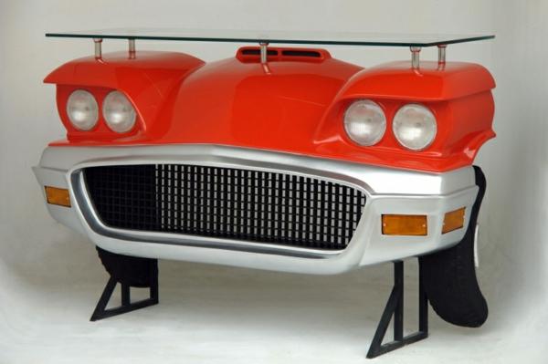 roter-tisch-auto-design