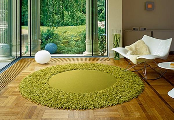 runder-Teppich-in-Grün
