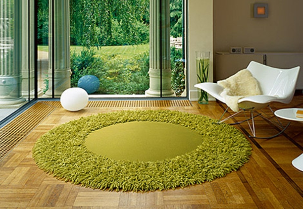 gr ner teppich frische im hause. Black Bedroom Furniture Sets. Home Design Ideas