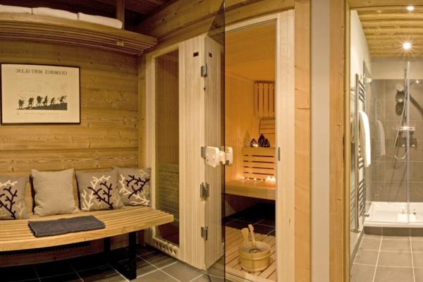 sauna-mit-glasfront-interessant-erscheinen