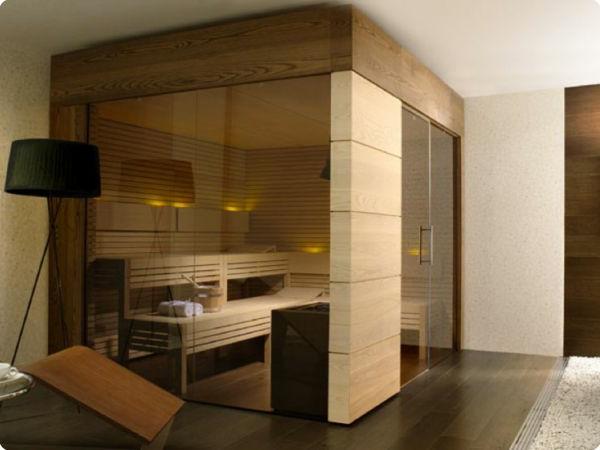 sauna-mit-glasfront-mit-einem-interessanten-aussehen