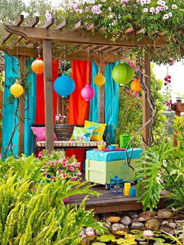 schön-dekorierte-Gartenlaube-Ideen