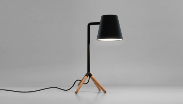 designer schreibtischlampe coole beispiele. Black Bedroom Furniture Sets. Home Design Ideas