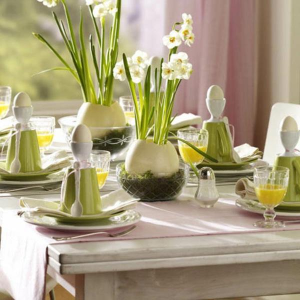 schöne-Tischdeko-in-grüner-und-weißer-Farbe