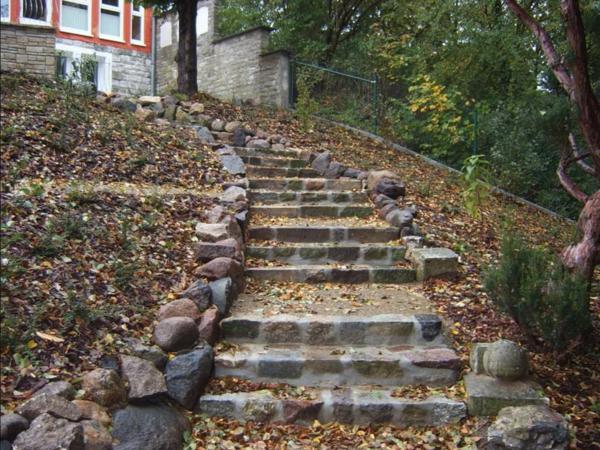 schöne-treppe-aus-stein-idee