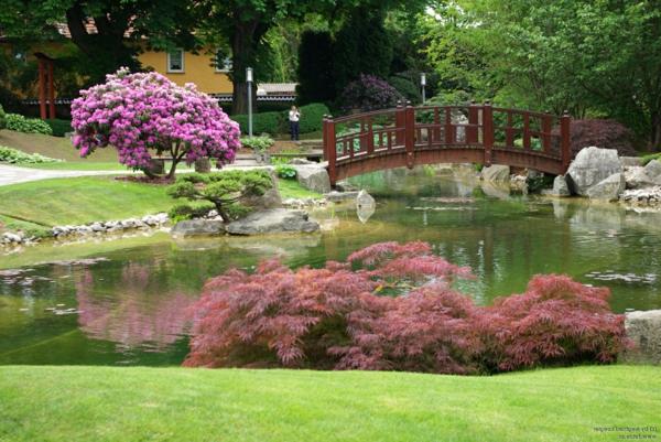 schöner-Japanischer-Garten-mit-Teich