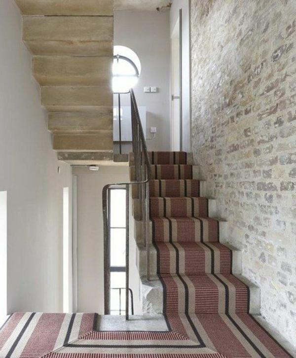 schöner-Teppich-Treppe-Interior