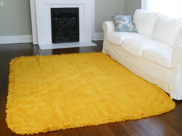 schöner-gelber-Teppich-im-Wohnzimmer-Designidee