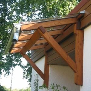 Vordach aus Holz - schöne Ideen!