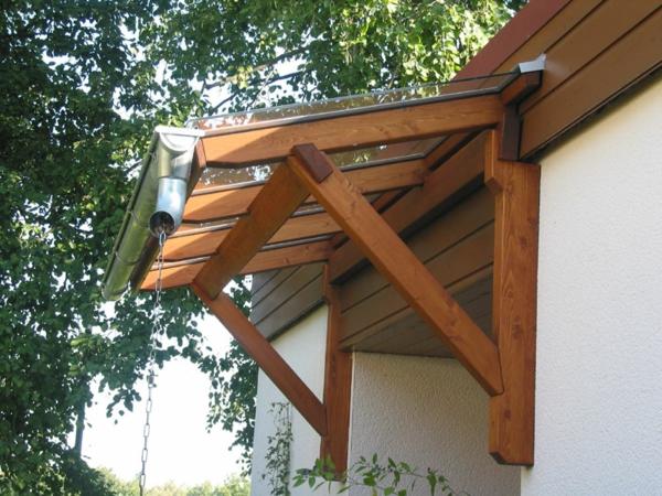 schönes-Vordach-Holz-Glas-Design