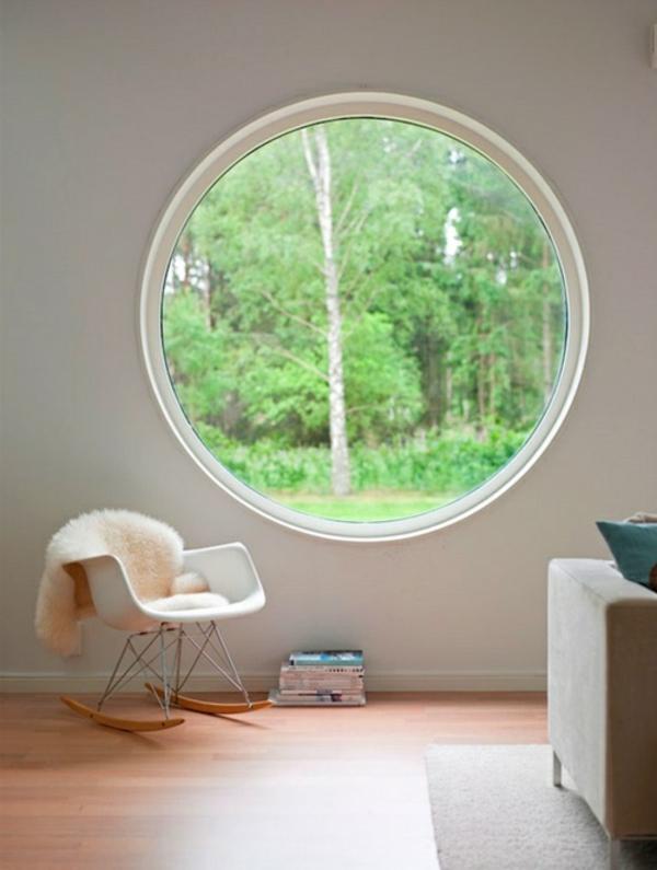 schönes-Zimmer-mit-Fenster-in-runder-Form
