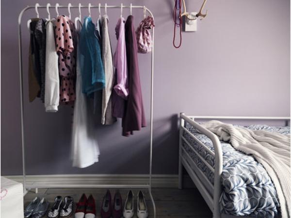 schönes-modell-von-kleiderstange-für-wand - lila schlafzimmer gestaltung