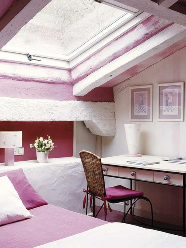 schlafzimmer-im-dachgeschoss-rosige-farbe