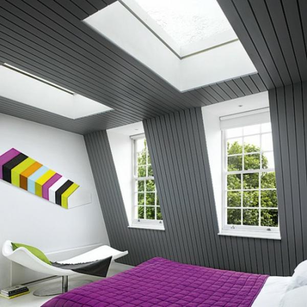 schlafzimmer-im-dachgeschoss.mit-vielen-fenstern