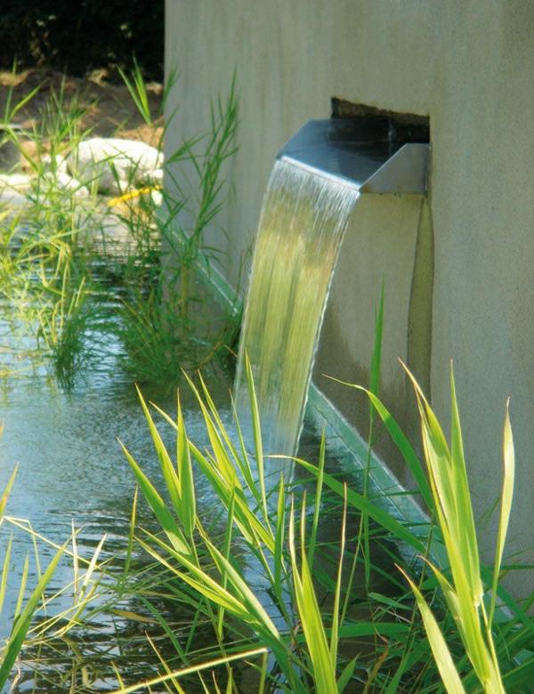 schwimmteich-bilder-fallendes-wasser