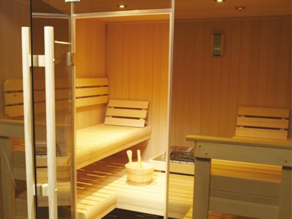 super-design-von-sauna-mit-glasfront