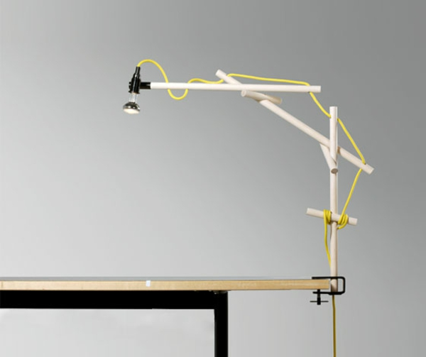 super-tolle-Schreibtischlampe-mit-kreativem-Design