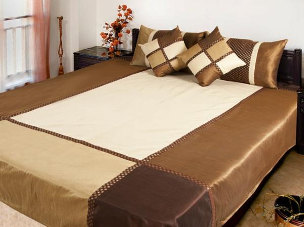 tagesdecke f r bett 25 wundersch ne beispiele 2014 12. Black Bedroom Furniture Sets. Home Design Ideas