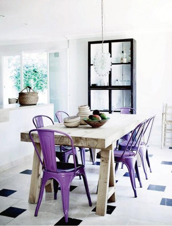 tolle-Stühle-in-Lila-Design-Idee