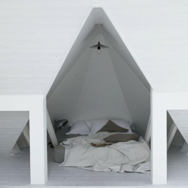 ultramodernes-schlafzimmer-im-dachgeschoss
