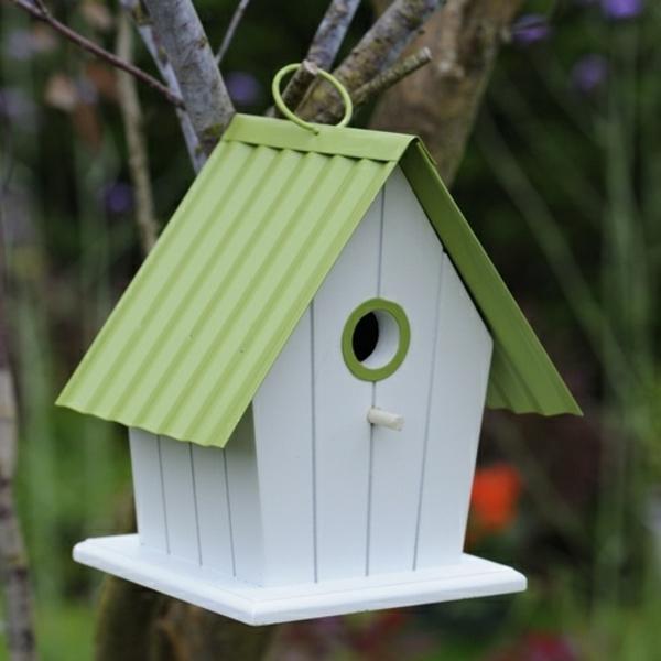 weiß-und-grün-Futterhaus-für-Vogel-selber-machen-Idee