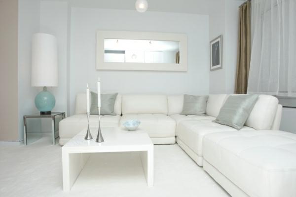 wohnzimmer-im-weiß-schick-erscheinen