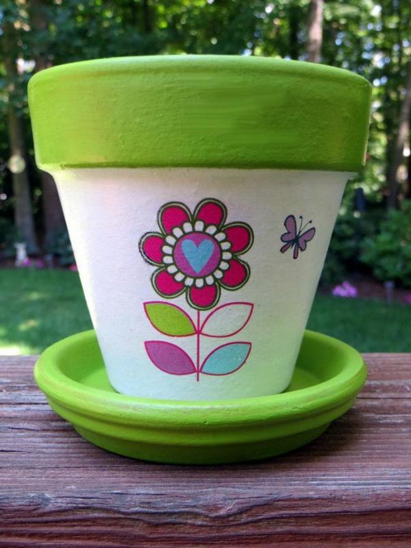 wunderbar--dekorierte-Blumentöpfe-Deko-Ideen-Garten