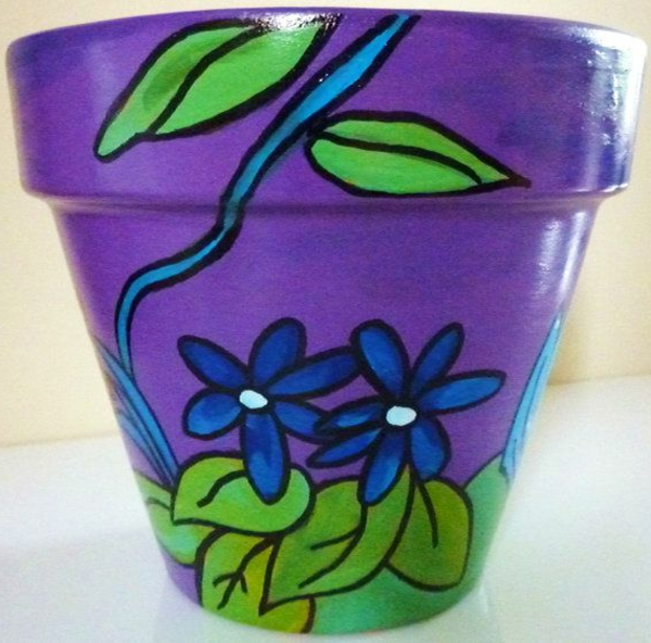 wunderbar--dekorierte-Blumentöpfe-Lila-und-Grün-Idee