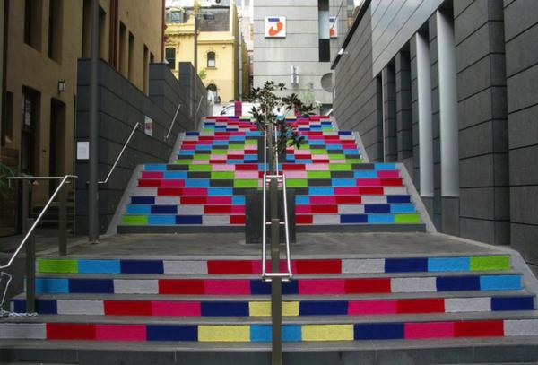 wunderbareStraßenart-kreativ-gestaltete-Treppen