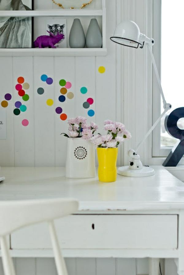 wunderschöne-Lampe-für-den-Schreibtisch-in-.Weiß