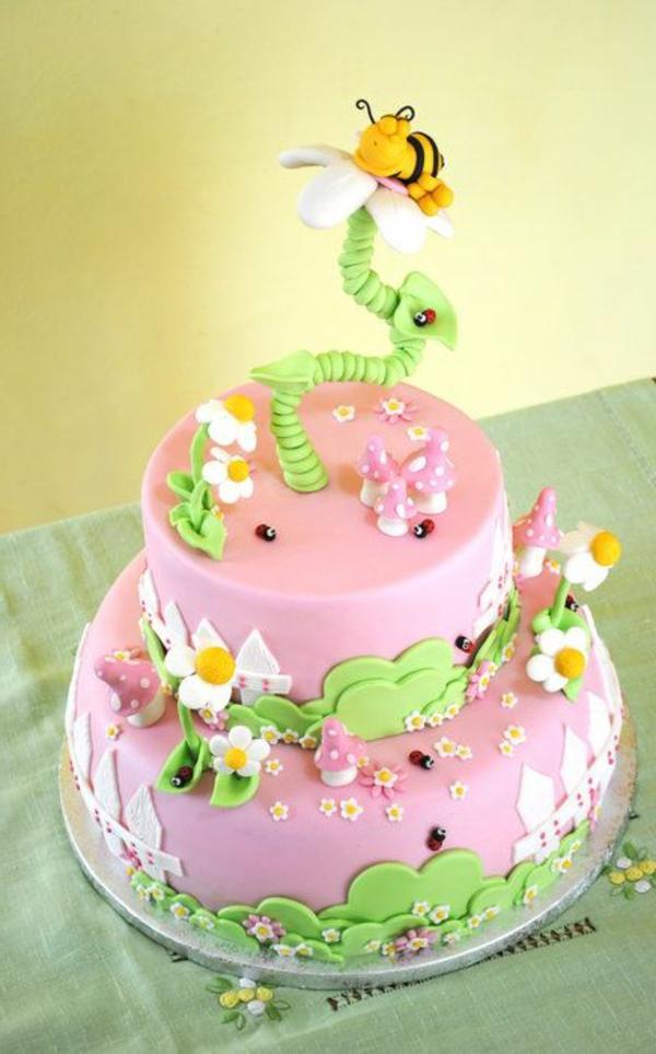 wunderschöne-Torten-Dekoration-Biene