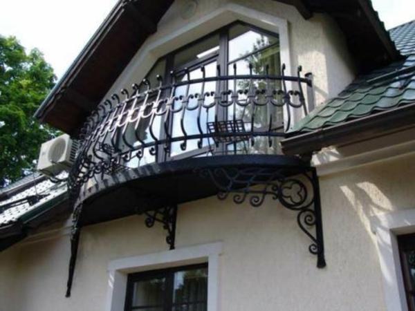 wunderschönes-Geländer-für-Balkon