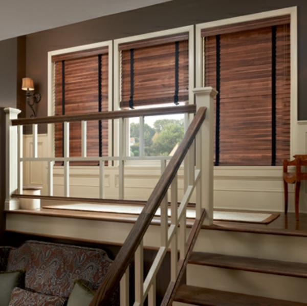 jalousien aus holz 41 wundersch ne fotos. Black Bedroom Furniture Sets. Home Design Ideas