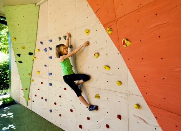 14-kletterwand-im-kinderzimmer-aussen