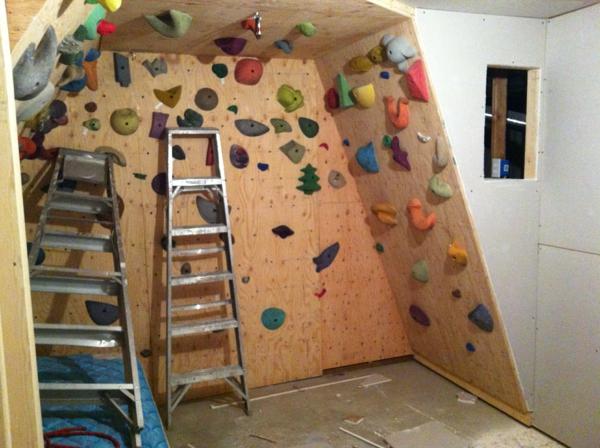 Kletterwand im Kinderzimmer: Freude und Gesundheit!