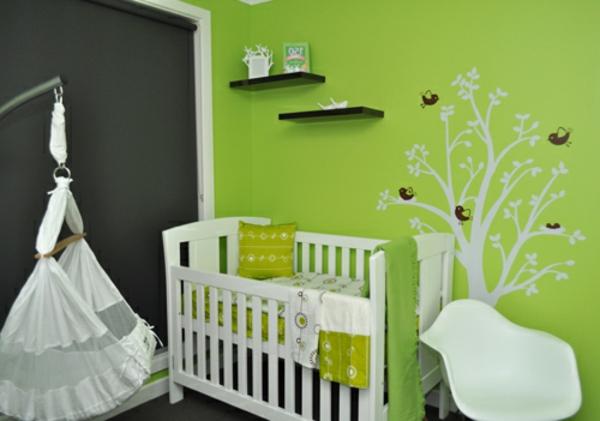 Babyzimmer-Design-Wand-.in-Grüntönen-Wandgestaltung in Grün