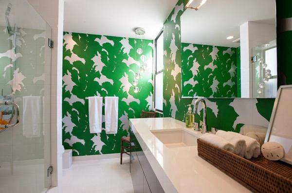 Badezimmer-Idee-Wand-.in-Grüntönen-Wandtapete