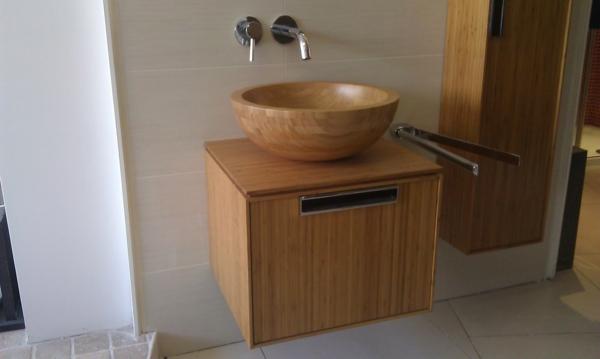 Badezimmermöbel-aus-Bambus-Idee-Bambus-Waschbeckenunterschränke