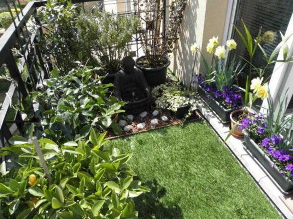 Balkon-mit-künstlichem-Gras-gestalten-Kunstrasen für Balkon