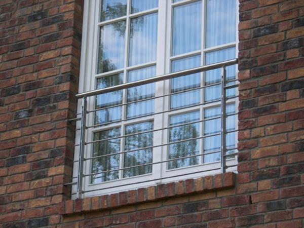 Balkone-mit-Geländer-Metall-Edelstahl