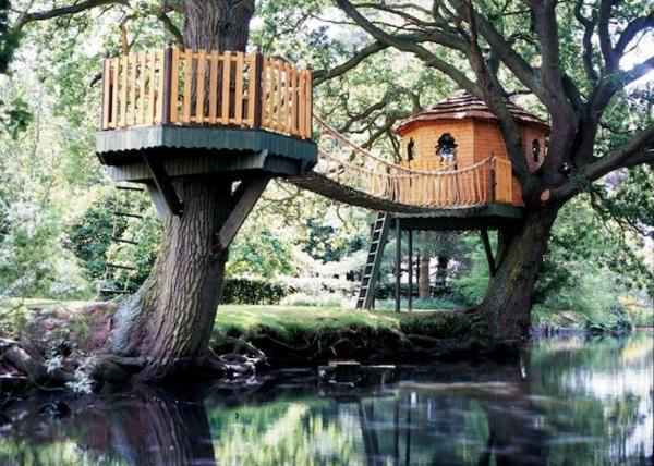 Baumhäuser-mit-einer-Brücke-bauen-Idee-