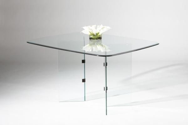 Beistelltische-aus-Glas-mit-schönem-Design-Idee