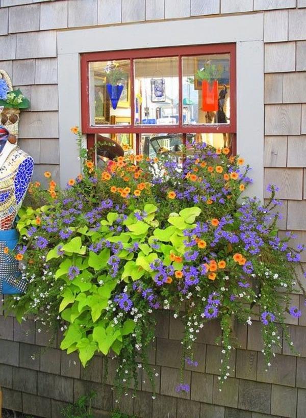 Blumenkaesten-für-Balkon--Dekoidee