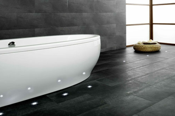 Bodenbeleuchtung-Led-im-Badezimmer-Badewanne