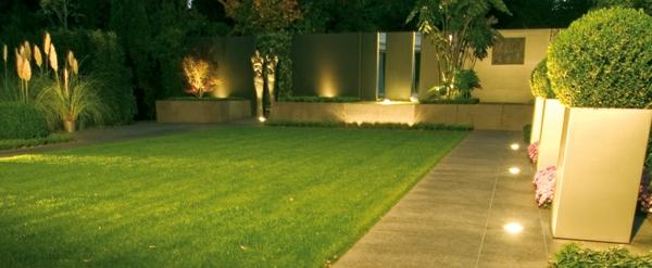 Led-lampen-im-Garten